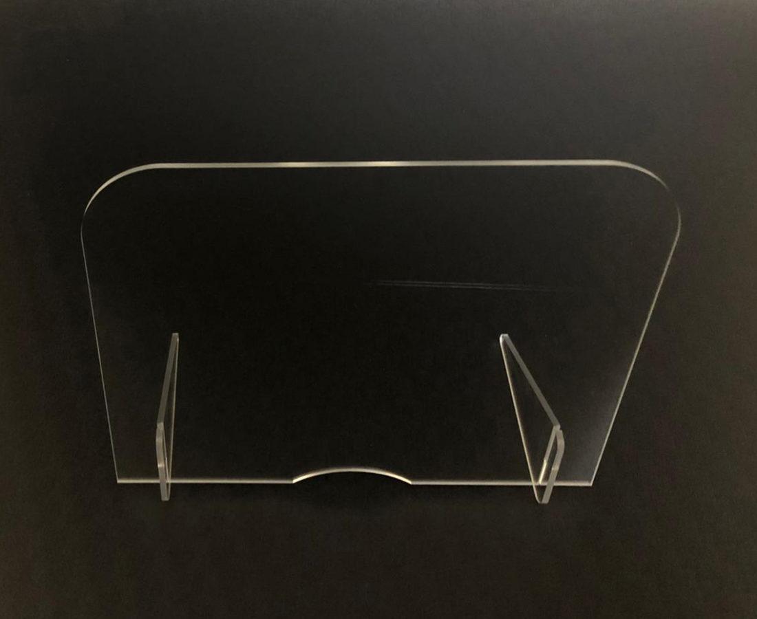 Ochranné přepážky a stěny - z plexiskla